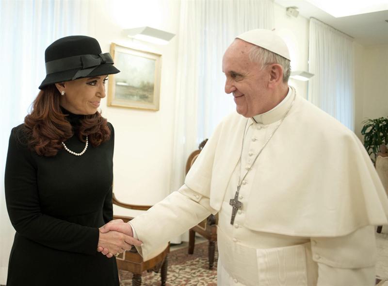 Cristina Fernández y Papa Francisco. Foto EFE