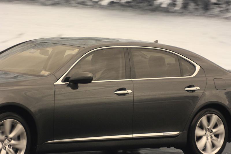 Auto que asiste a conferencia Bilderberg en 2012. Foto Flickr