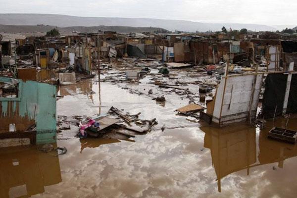 Desafío Levantemos Chile hace llamado a donación de kit de agua para a regiones del norte por fuertes aluviones
